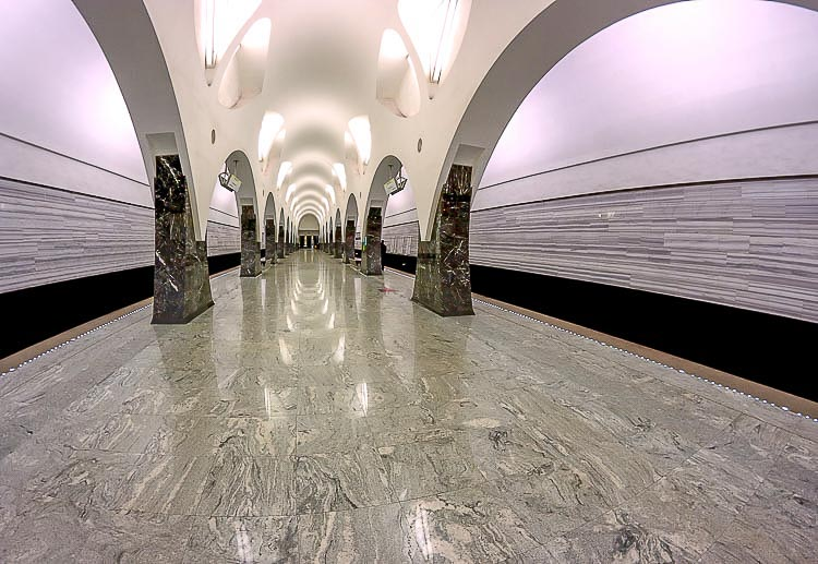 Use of marble on the Moscow Metro