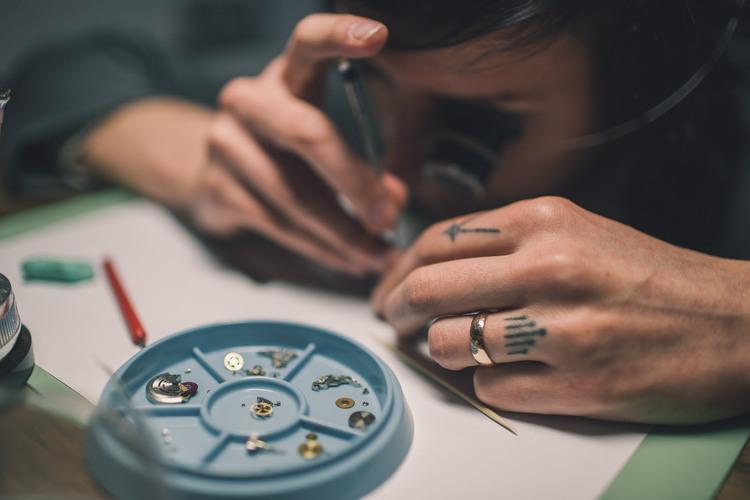 Rebecca Struthers - 21st Century Watchmaker